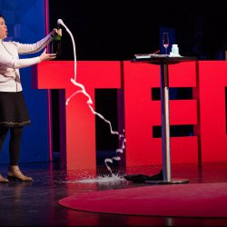 The fascinating science of bubbles, from soap to champagne | Li Wei Tan