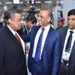 Yashwant Sinha-Jayant Sinha, Mukesh Ambani -Sunil Mittal and Flipkart - Amazon festive season sales