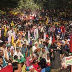 83: 1 दिसंबर शनिवार का बीबीसी इंडिया बोल वात्सल्य राय से