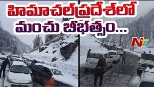 HP Police Rescue 300 Tourists who Stuck after Snowfall Near Atal tunnel
